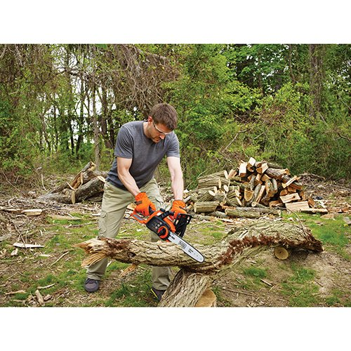 40-Volt Battery Operated Cordless 12-Inch LCS1240 Chainsaw by Black & Decker