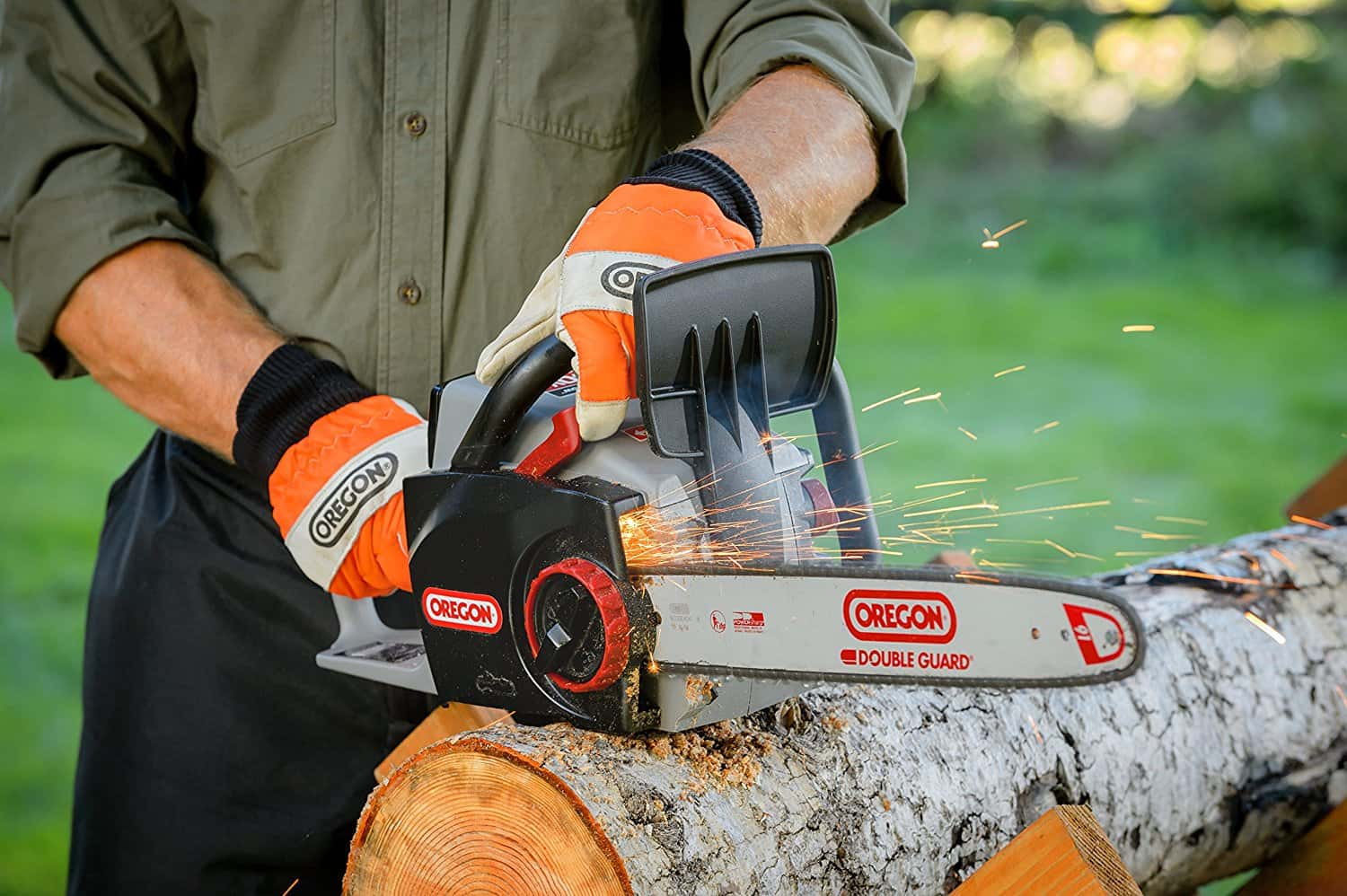 Chain_Saw_with_4.0_Ah_Battery_and_Charger