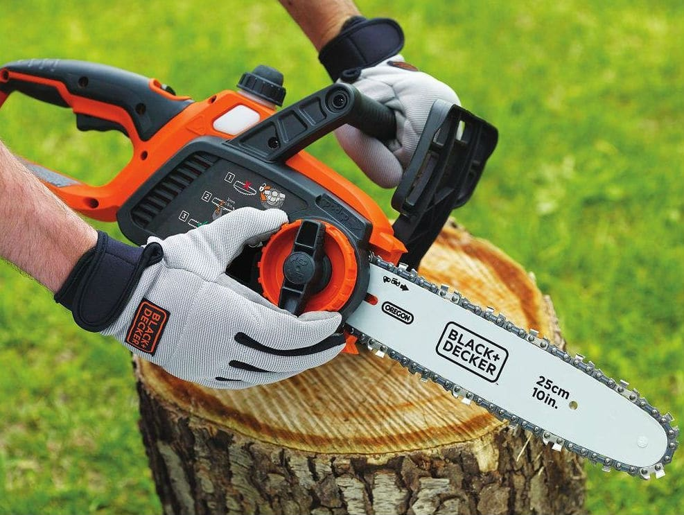 Black and Decker LCS1020 20V MAX Lithium Ion Chainsaw