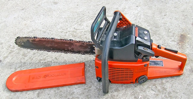 Photo of an orange chainsaw