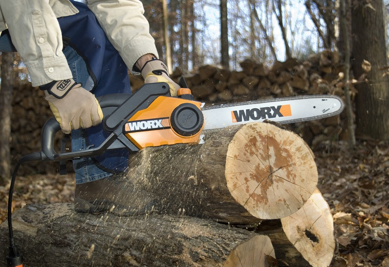 Top 8 Best Anti Vibration Gloves for Chainsaws